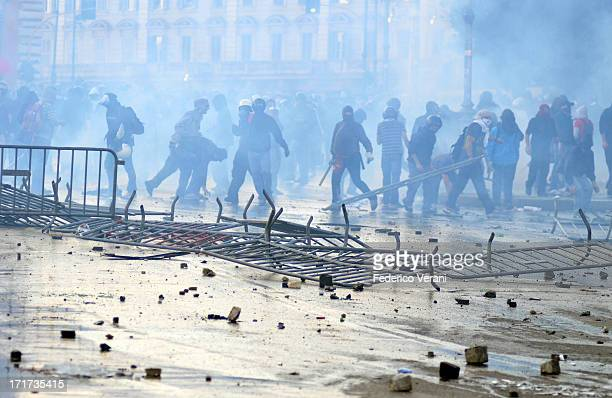 CONTENT] Barricades during riots in Piazza San Giovanni Rome