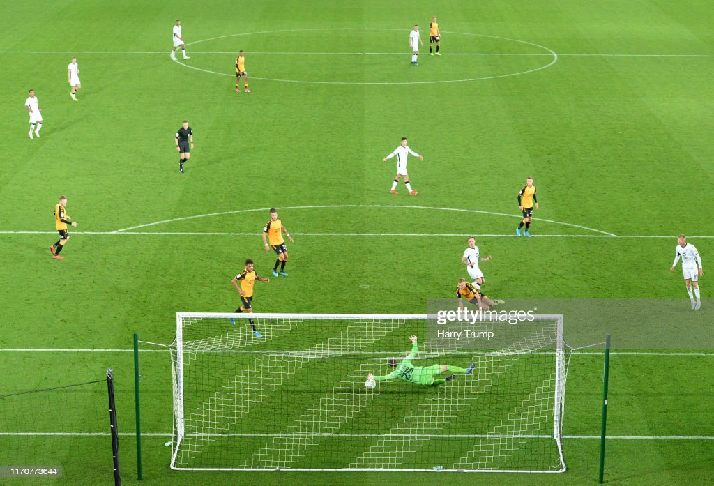 Swansea City v Cambridge United - Carabao Cup Second Round : ニュース写真