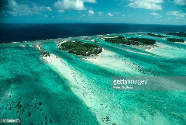 barrier islands of tahiti - barrier_islands stock pictures, royalty-free photos & images