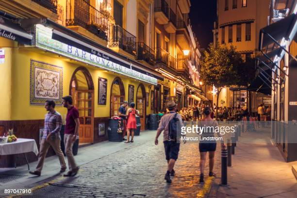barrio santa cruz, sevilla - seville stock pictures, royalty-free photos & images