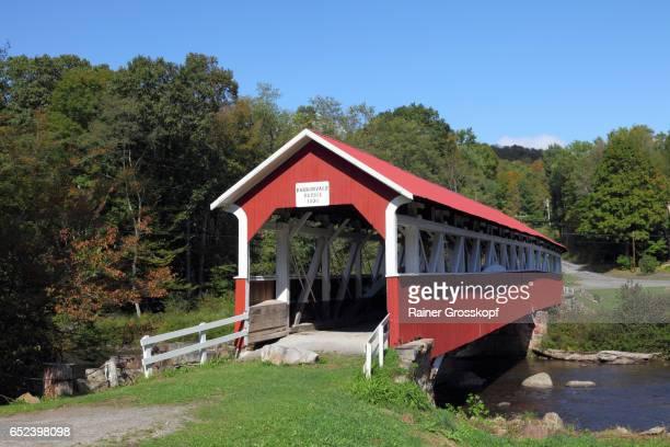 barronvale covered bridge (1830) - rainer grosskopf stock-fotos und bilder