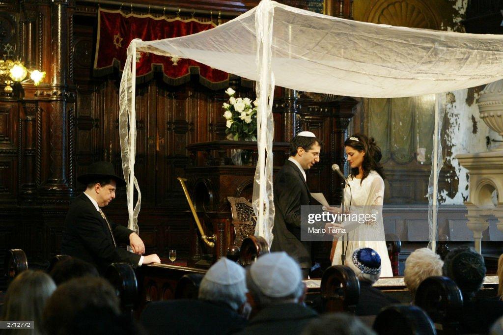 Historic NYC Synagogue Under Renovation Hosts Wedding : News Photo