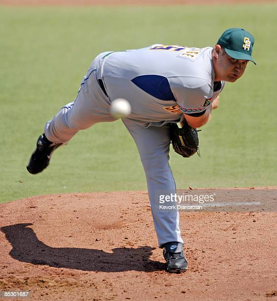 Barry Armitage of South Africa throws against Cuba during at the 2009 World Baseball Classic Pool B match on March 8, 2009 at the Estadio Foro Sol in...