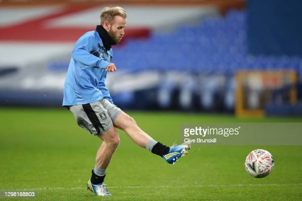 Barry Bannan of Sheffield Wednesday warms up prior to the Emirates FA Cup Fourth Round match between Everton and Sheffield Wednesday at Goodison Park...