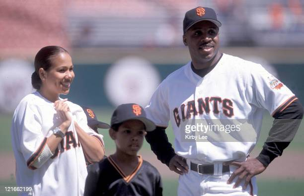 Barry Bonds and wife Lisa Watson during the 1999 San Francisco Giants Family Softball Game Son Nikolai Bonds is in foreground