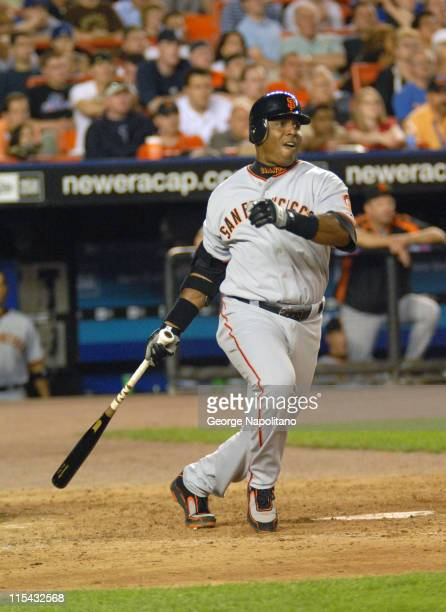 Barry Bonds at bat in the 7th inning during the game between the San Francisco Giants and the New York Mets at Shea Stadium in Queens New York on May...