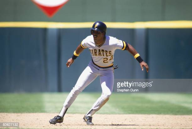 Barry Bonds of the Pittsburgh Pirates runs between bases during a game against the San Diego Padres in 1987 at Jack Murphy Stadium in San Diego...