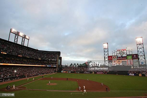 Barry Bonds of the San Francisco Giants at bat against the Washington Nationals during a Major League Baseball game on August 6 2007 at ATT Park in...