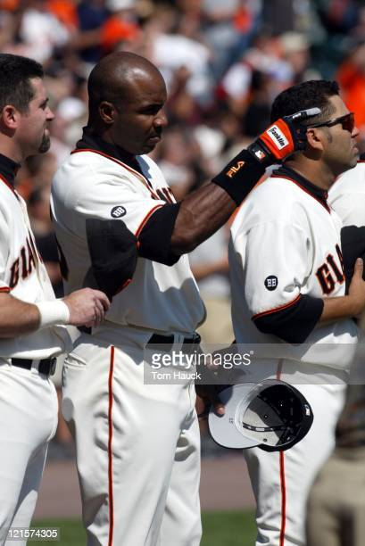 Barry Bonds of the San Francisco Giants during inning of the NLDS Game 1 at Pac Bell Park in San Francisco Ca