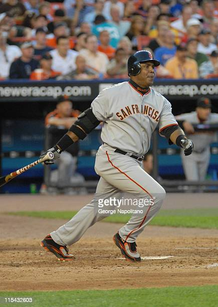 Barry Bonds runs to first during the game between the San Francisco Giants and the New York Mets at Shea Stadium in Queens New York on May 30 2007