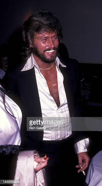 Barry Gibb and wife Linda Gibb attend the birthday party for Maurice Gibb on December 22, 1982 at the Century Cafe in Century City, California.