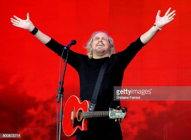 Barry Gibb performs on day 4 of the Glastonbury Festival 2017 at Worthy Farm Pilton on June 25 2017 in Glastonbury England