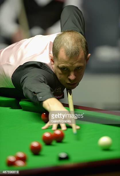 Barry Hawkins plays a shot against Ronnie O'Sullivan during their semi final in The Dafabet World Snooker Championship at Crucible Theatre on May 1...