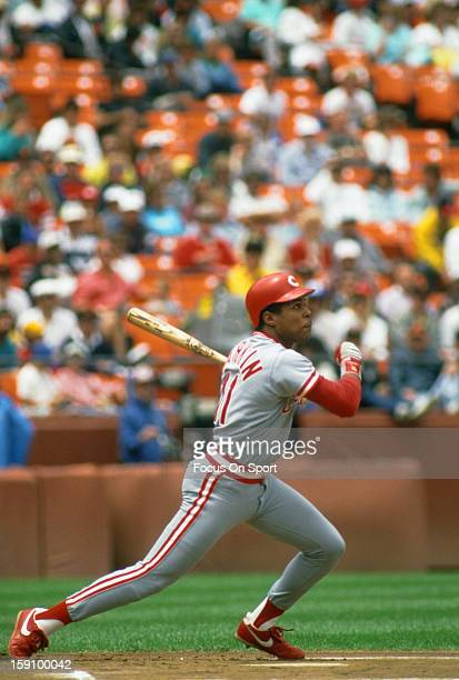 Barry Larkin of the Cincinnati Reds bats against the San Francisco Giants during an Major League Baseball game circa 1988 at Candlestick Park in San...