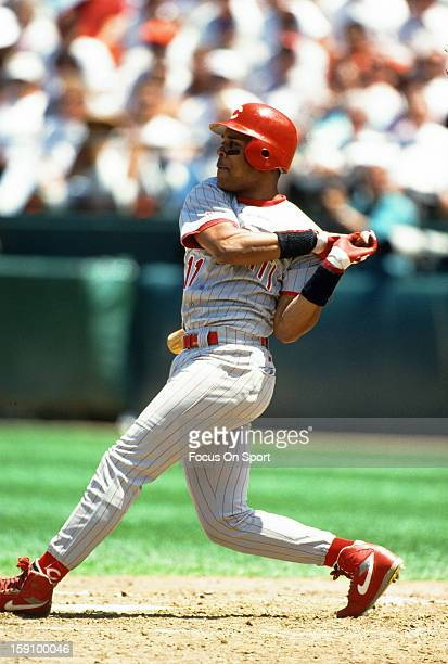 Barry Larkin of the Cincinnati Reds bats against the San Francisco Giants during an Major League Baseball game circa 1993 at Candlestick Park in San...