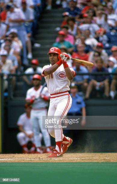 Barry Larkin of the Cincinnati Reds bats at Riverfront Stadium circa 1988 in Cincinnati Ohio