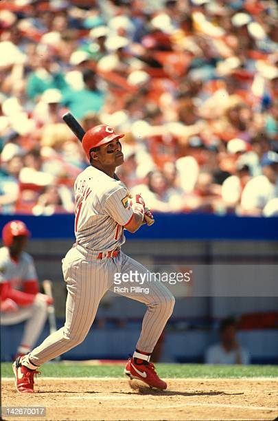 Barry Larkin of the Cincinnati Reds bats during the game against the New York Mets at Shea Stadium in the Queens borough of New York City