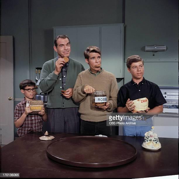 SONS Barry Livingston as Ernie Thompson Douglas Fred MacMurray as Steve Douglas Don Grady as Robbie Douglas Stanley Livingston as Chip Douglas Image...