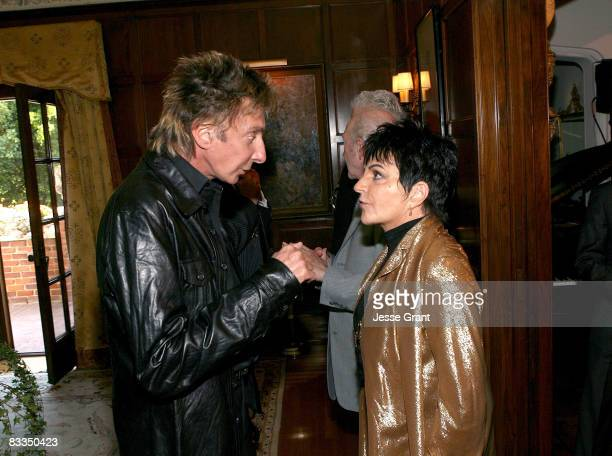 Barry Manilow and Liza Minnelli attend the wedding of Michael Feinstein and Terrence Flannery held at a private residence on October 17 2008 in Los...