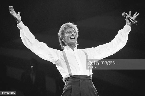 Barry Manilow performs at Radio City Music Hall on New Years Eve 1985