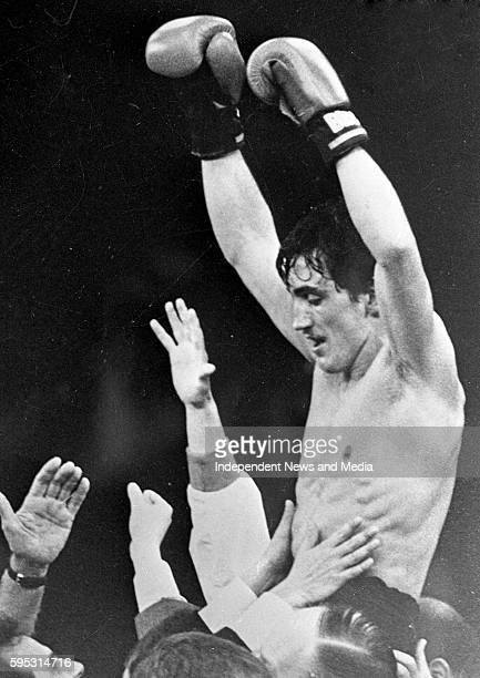 Barry McGuigan Vs Eusebio Pedrozo for the WBA World Featherweight Title, Loftus Road, London, .