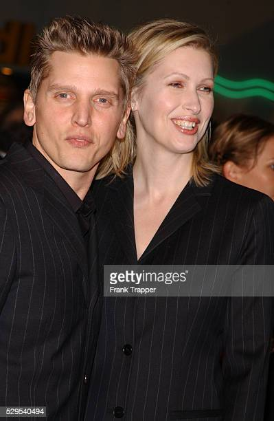 Barry Pepper and wife Cindy arrive at the premiere of We Were Soldiers