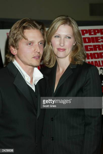 """Barry Pepper with his wife Cindy arrives at the world premiere of """"Knockaround Guys"""" at the AMC Empire 25 in New York City. 9/25/02 Photo by Scott..."""