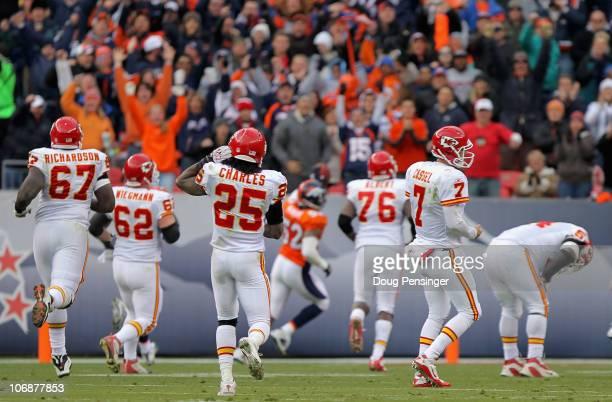 Barry Richardson Casey Wiegman Jamaal Charles Branden Albert Matt Cassel and Brian Waters of the Kansas City Chiefs give up pursuit as Jason Hunter...
