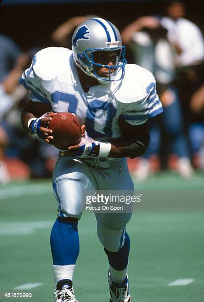 Barry Sanders of the Detroit Lions carries the ball during an NFL football game circa 1995 Sanders played for the Lions from 198998