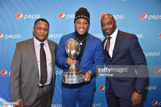 Barry Sanders Saquon Barkley Curtis Martin and attend the Pepsi Rookie Brunch Celebrating Saquon Barkley as 2018 Pepsi NFL Rookie of The Year at the...