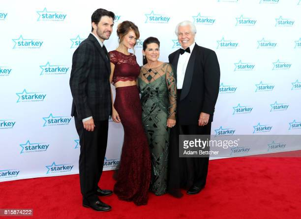 Barry Zito Amber Seyer Tani Austin and Bill Austin pose on the red carpet at the 2017 Starkey Hearing Foundation So the World May Hear Awards Gala at...