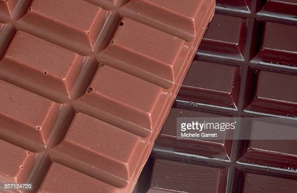bars of chocolate - chocolate bar stock pictures, royalty-free photos & images