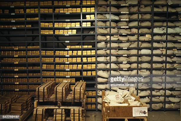 Bars of gold in the vault of the Bank of New York