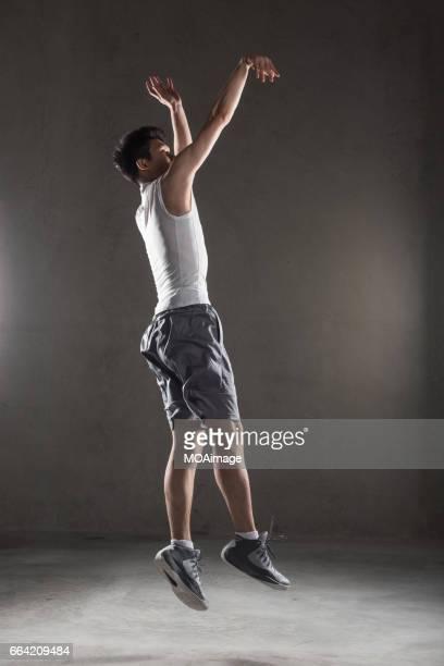 Barsket player,take off and shoot