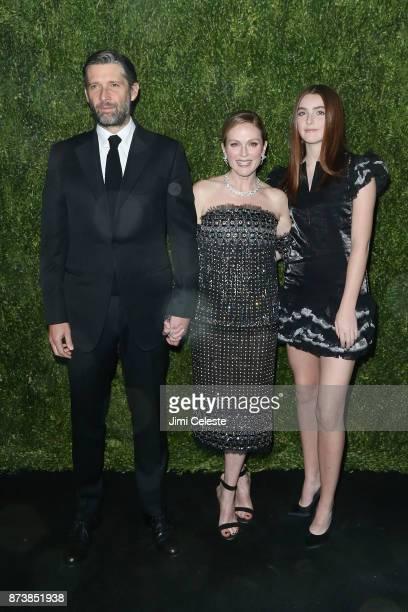 Bart Freundlich Liv Freundlich and Julianne Moore attends the 2017 Museum of Modern Art Film Benefit Tribute To Julianne Moore at Museum of Modern...