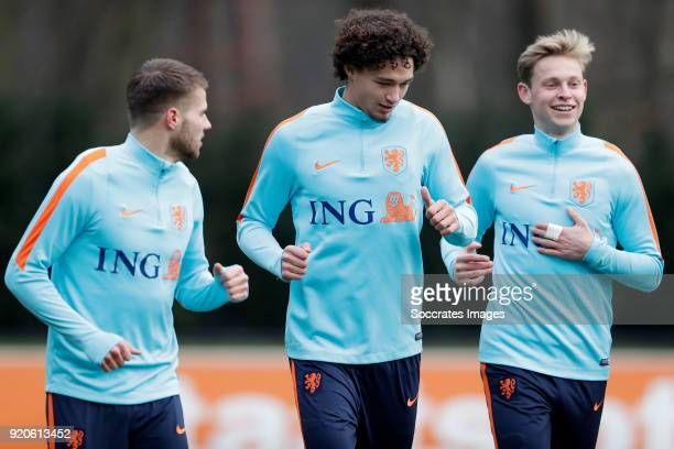 Bart Nieuwkoop of Holland U21 Philippe Sandler of Holland U21 Frenkie de Jong of Holland U21 during the Training Holland U21 at the KNVB Campus on...