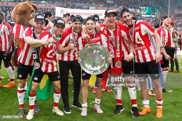 Bart Ramselaar of PSV Mauro Junior of PSV Maximiliano Romero of PSV Santiago Arias of PSV Luuk de Jong of PSV Gaston Pereiro of PSV celebrates the...