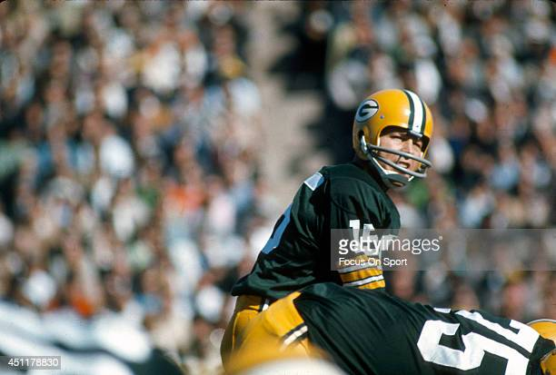Bart Starr of the Green Bay Packers in action against the San Francisco 49ers during an NFL football game December 4 1966 at Milwaukee County Stadium...
