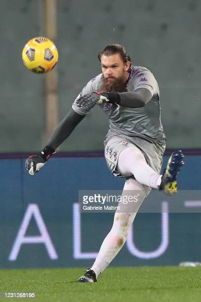 Bartlomiej Dragoski of ACF Fiorentina in action during the Serie A match between ACF Fiorentina and Spezia Calcio at Stadio Artemio Franchi on...