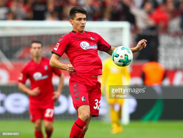 Bartosz Kapustkacontrols the ball during the Bundesliga match between Bayer 04 Leverkusen and SC Freiburg at BayArena on September 17 2017 in...