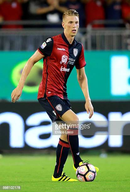 Bartosz Salamon of Cagliari in action during the Serie A match between Cagliari Calcio and AS Roma at Stadio Sant'Elia on August 28 2016 in Cagliari...
