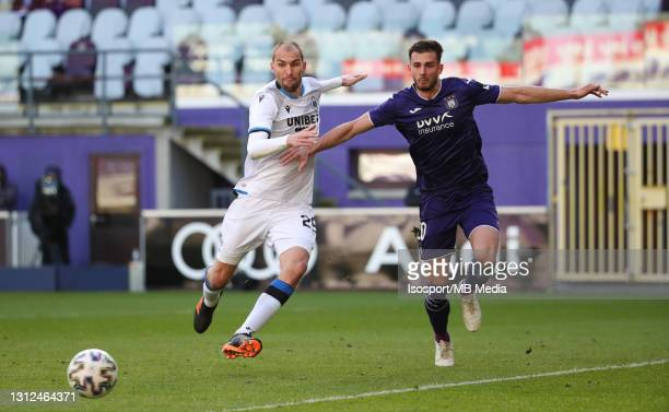 Bas Dost of Club Brugge battles for the ball with Matthew Miazga of Anderlecht during the Jupiler Pro League match between RSC Anderlecht and Club...