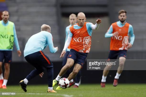 Bas Dost of Holland Davy Klaassen of Holland Donny van de Beek of Holland Arjen Robben of Holland Davy Propper of Holland during a training session...
