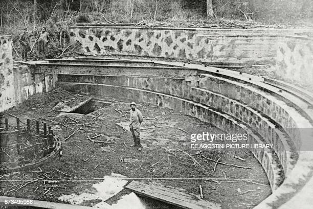 Base of a largecalibre cannon which the Germans used for bombing Compiegne France World War I from L'Illustrazione Italiana Year XLIV No 47 November...