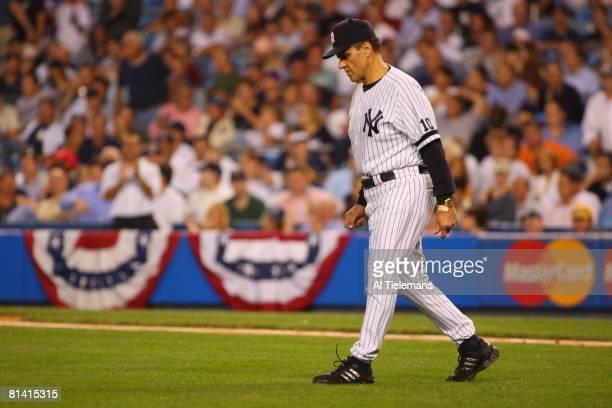 Baseball: ALDS Playoffs, New York Yankees manager Joe Torre walking to mound during Game 4 vs Cleveland Indians, Bronx, NY 10/8/2007