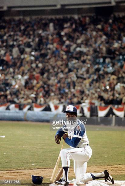 Atlanta Braves Hank Aaron on deck during game vs Los Angeles Dodgers Atlanta GA 4/8/1974 CREDIT Walter Iooss Jr