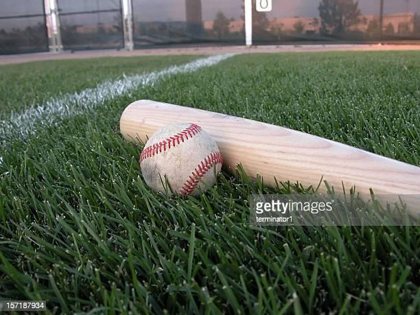 野球バット、ボール
