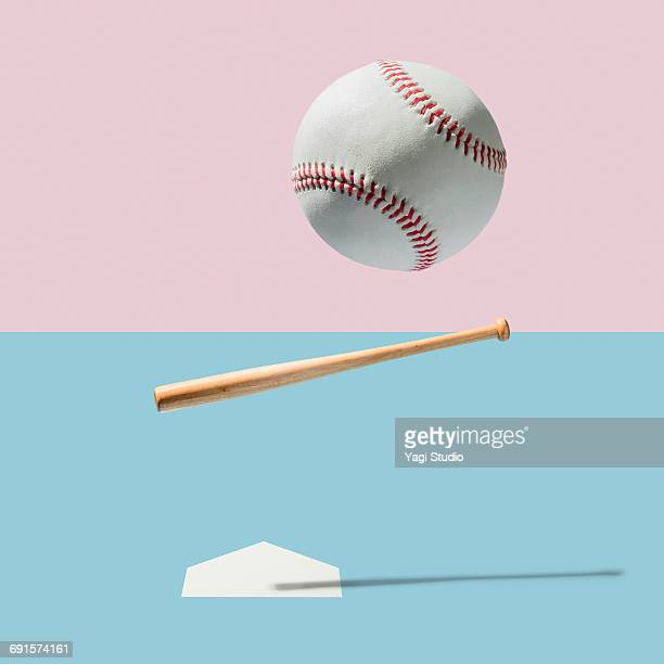 baseball bat and baseball ball - bastão de beisebol - fotografias e filmes do acervo
