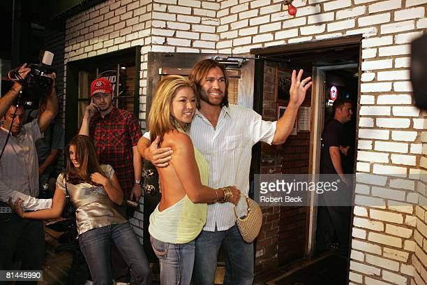 Baseball Boston Red Sox Johnny Damon and his wife Michelle Mangan attend casual Bronson Arroyo concert at Sonny McLean's Pub Santa Monica CA 8/20/2005