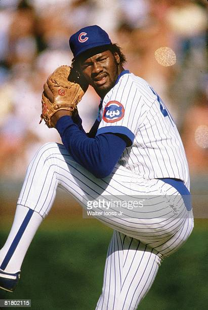 Baseball Closeup of Chicago Cubs Lee Smith in action pitching vs Pittsburgh Pirates Chicago IL 9/20/1984